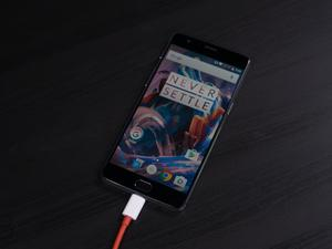 OnePlus mocks Samsung Adaptive Charging in Dash Charge comparison