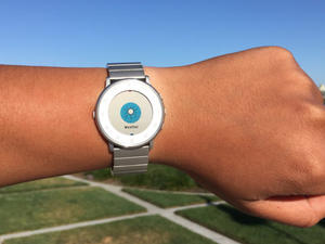 Major Pebble Time update includes Weather app, health improvements