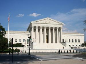 Apple asks Supreme Court to close the book on Samsung patent case