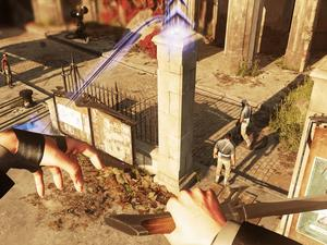 "Dishonored 2 gameplay video shows off Emily and Corvo's ""creative kills"""