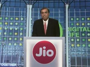 Reliance Jio carrier launches in India with cheap LTE data and unlimited free calls