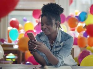 New Apple ad delivers balloon-filled look at iMessage features