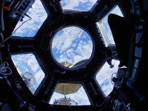 Take a serene 4K tour of the International Space Station