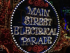 The Main Street Electrical Parade is back at Disneyland! Bring on the nostalgia