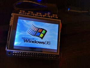 Windows 98 emulation running on Raspberry Pi smartwatch