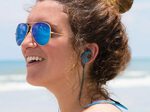 Enjoy lightweight, unrivaled sound quality with these Bluetooth earbuds