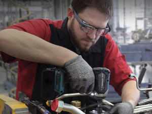 Google Glass is alive and well, just with a slightly different purpose