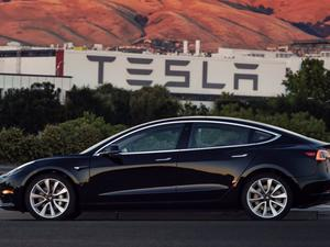 Tesla Model 3 production still not catching up