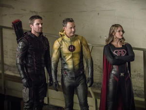 CW's huge superhero crossover put Justice League to shame