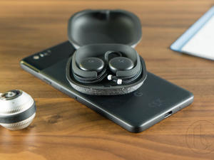 Pixel Buds are ripping off some of the AirPods' best features