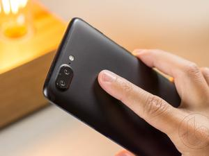Fans start hyping the OnePlus 5T in Sandstone