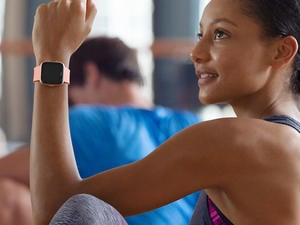 Fitbit Versa is (another) stylish smartwatch for everyone