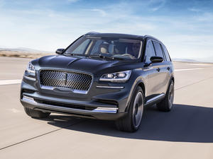 Lincoln Aviator plug-in hybrid teases the future of luxury