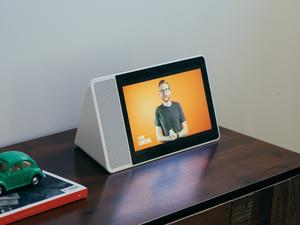Lenovo Smart Display review: Every Living Room Should Have One