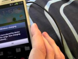 Samsung Galaxy S III Mod Brings Wireless Charging Via Palm Touchstone [Video]
