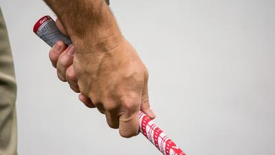 A steady grip for a surer game of golf