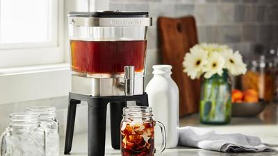 Up your caffeine game with your very own cold brew coffee maker