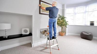 Access spaces above your head in absolute safety using a step ladder