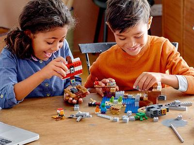 Explore the best Minecraft Toys
