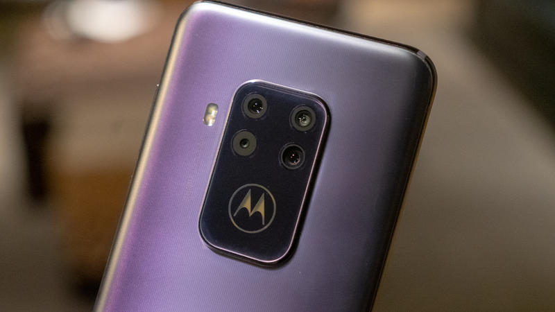The Motorola One Zoom brings optical and hybrid zoom to an affordable phone