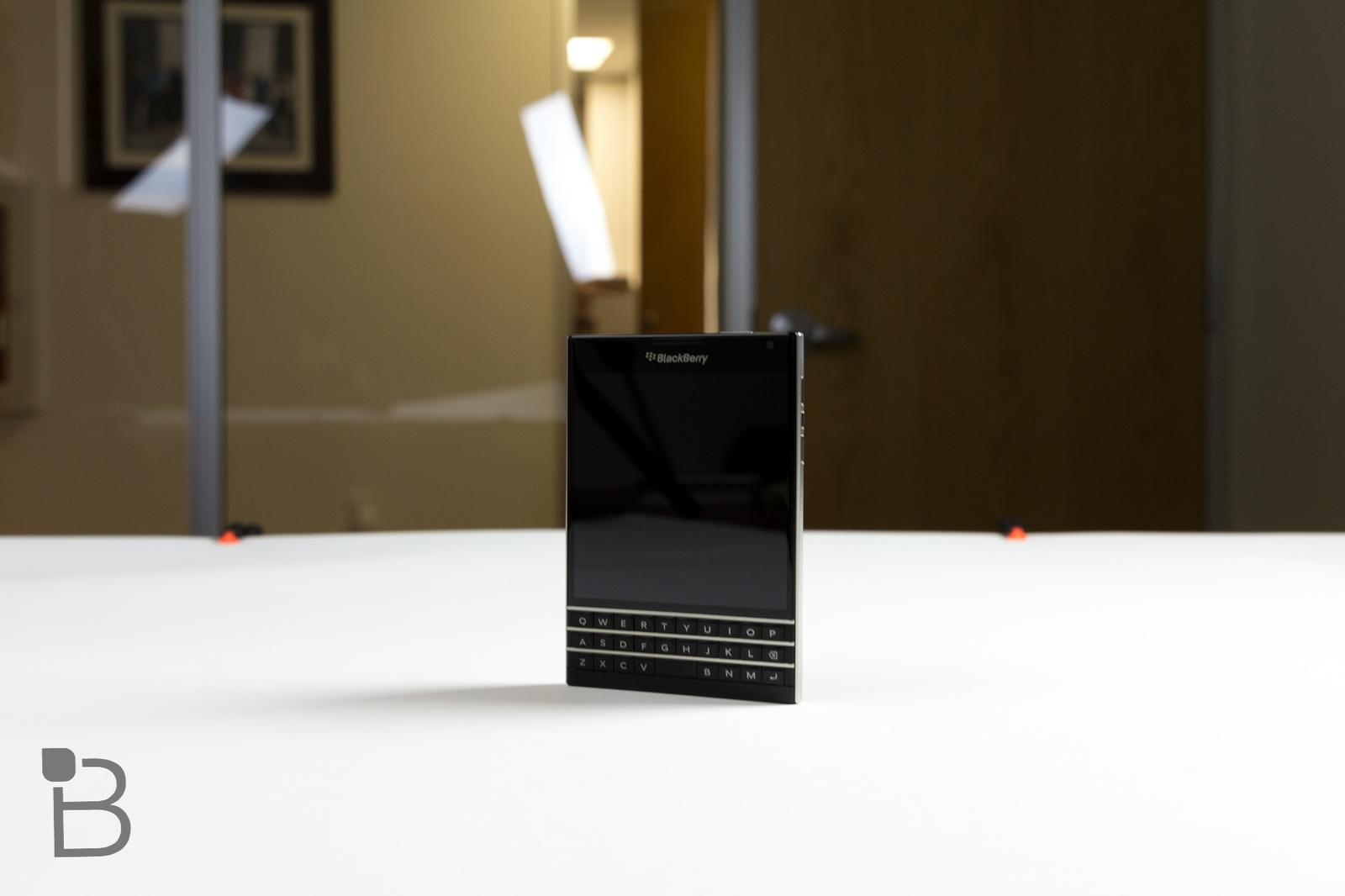 BlackBerry Passport review: Enough to Keep Fans Hanging On