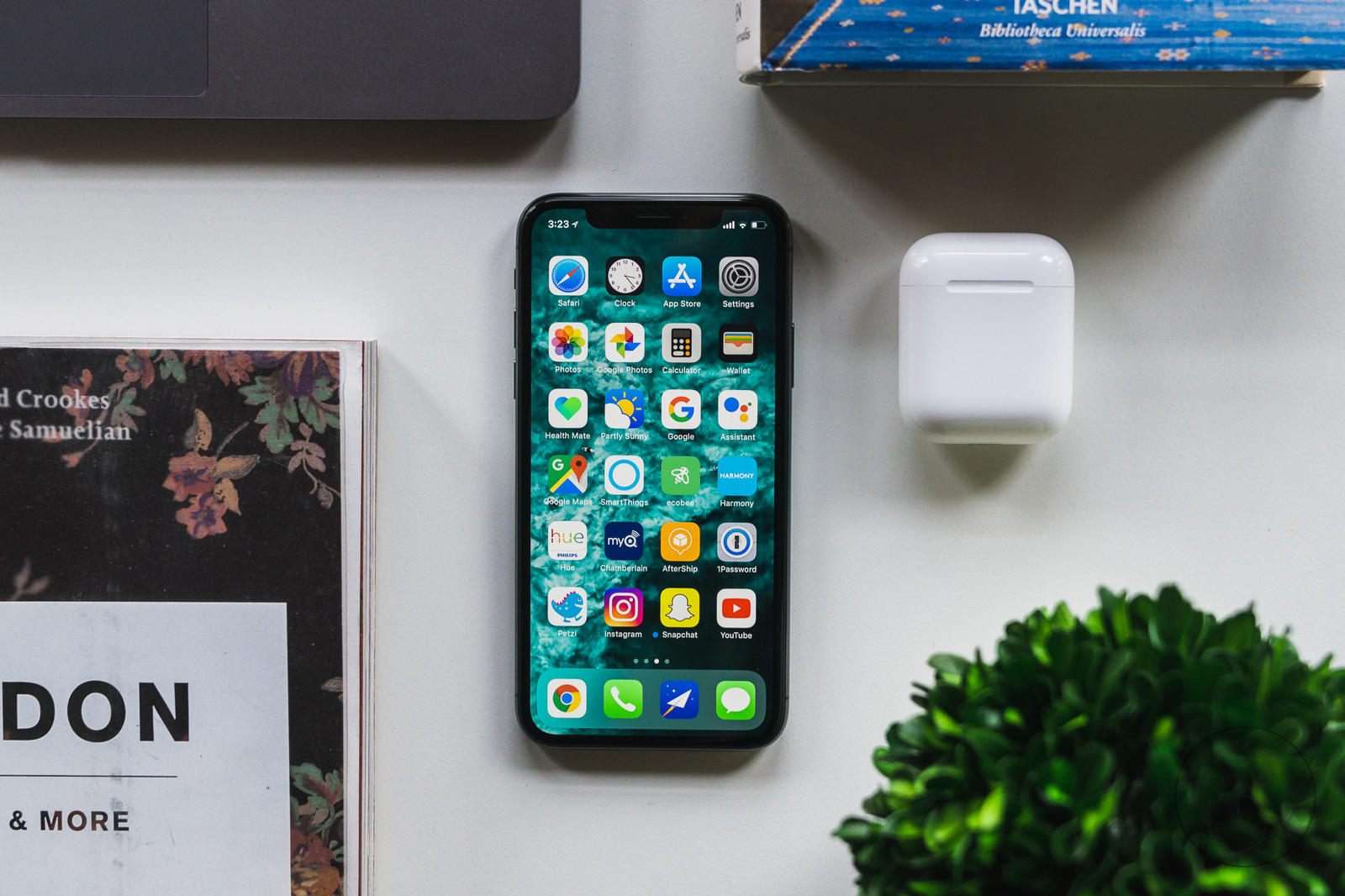 Apple releases iOS 12 1 4 to fix rogue FaceTime bug